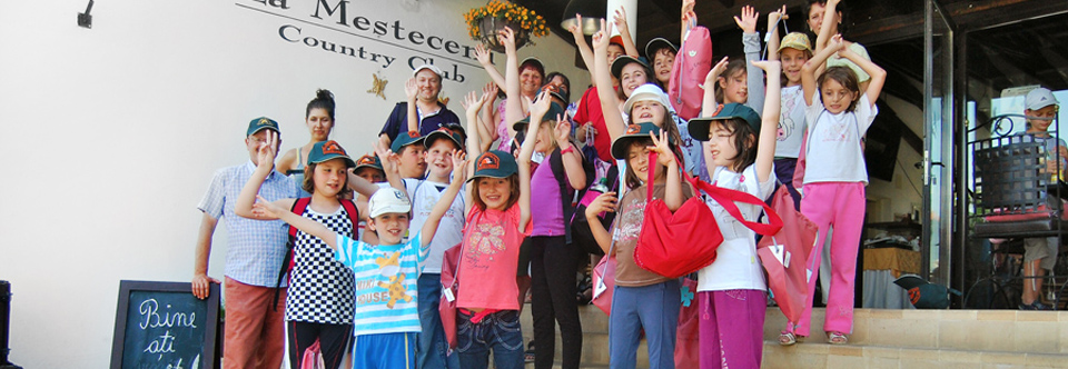 (Română) Școala Altfel 2015 la Mesteceni Country Club